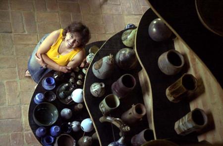 Cris Rocha, ceramista de Sousas.